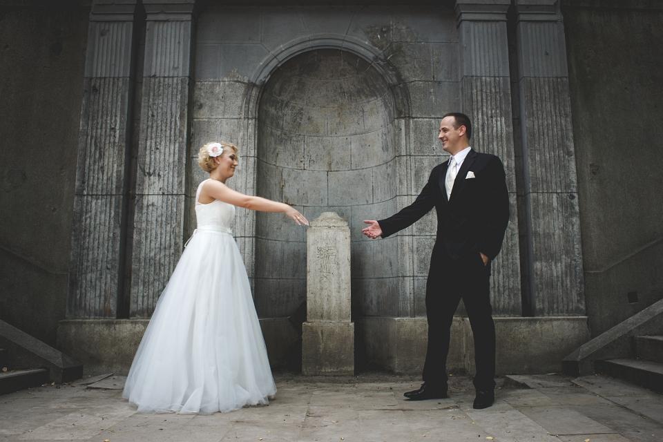 esküvői anyag